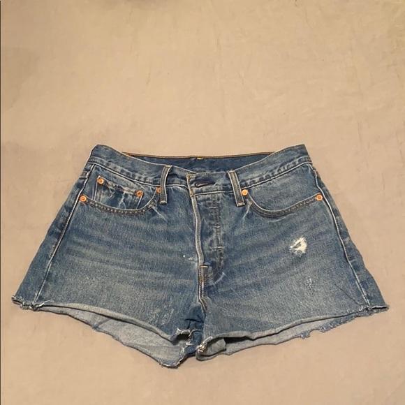 Levi's Pants - Levi's High Rise Wedgie Fit Shorts